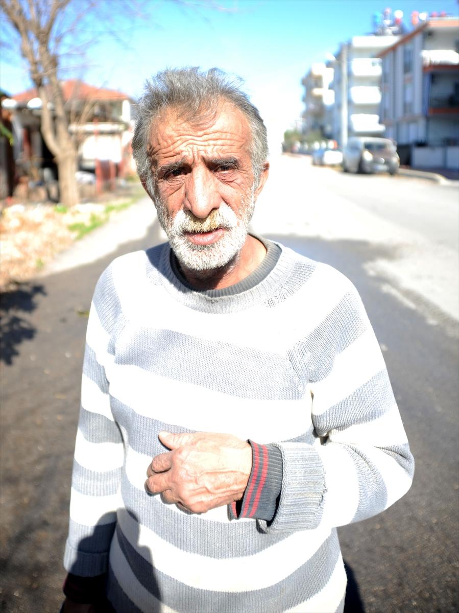 Antalya'da yangın çıkan evde mahsur kalan kişiyi arkadaşı pencereyi kırarak kurtardı