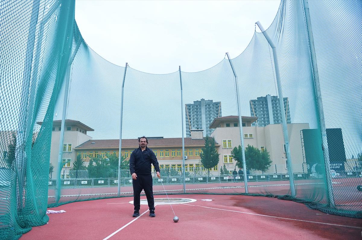 Beşinci kez olimpiyat vizesi alan Eşref Apak'ın hedefi madalya