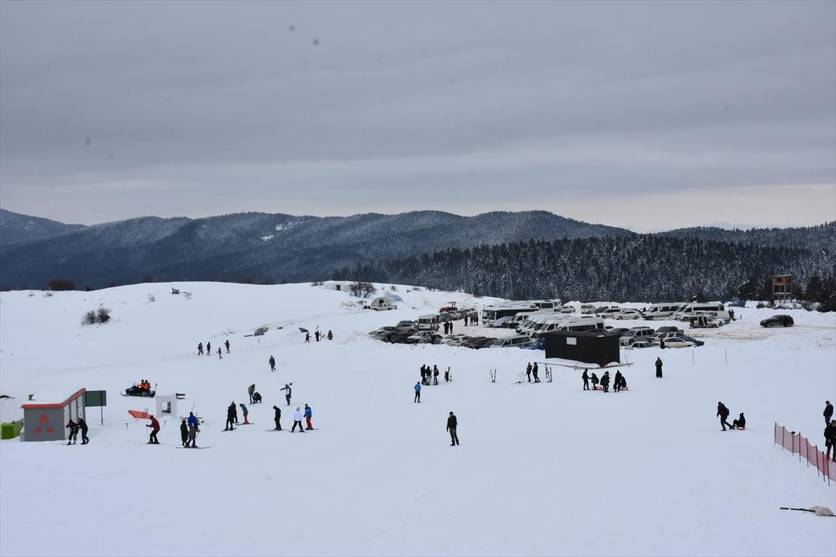 Keltepe Kayak Merkezi'nde hafta sonu yoğunluğu