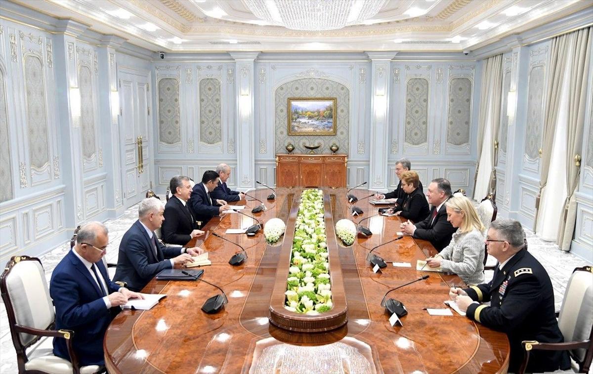 Özbekistan Cumhurbaşkanı Mirziyoyev, ABD Dışişleri Bakanı Pompeo'yu kabul etti