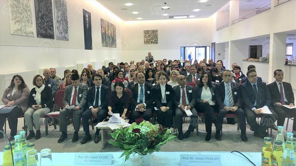 ALMANYA'DA ÇOKKÜLTÜRLÜLÜK EĞİTİM ve TÜRK ÖĞRENCİLER