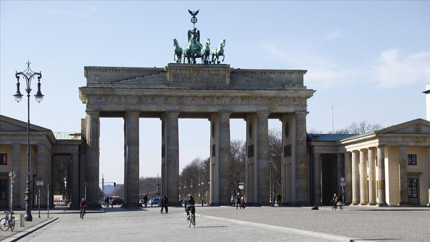 Almanya Başbakanı Merkel: Kovid-19, 2008 banka ve finans krizinden daha kötü