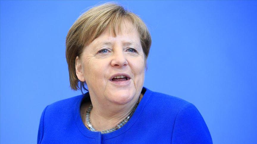Merkel, Kovid-19'a karşı alınan kurallara uyulması çağrısında bulundu