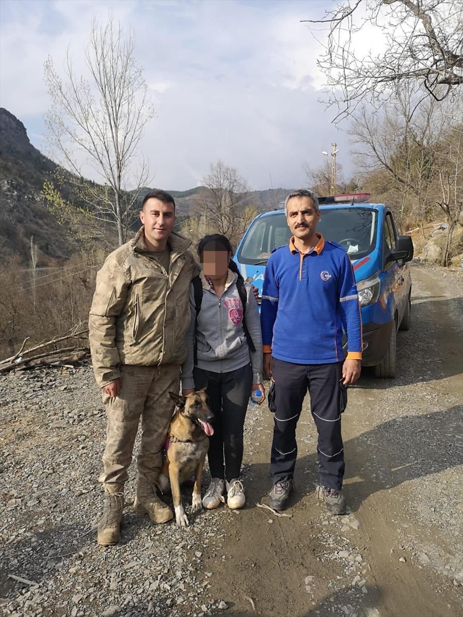 Adana'da kaybolan engelli kızı iz takip köpeği buldu
