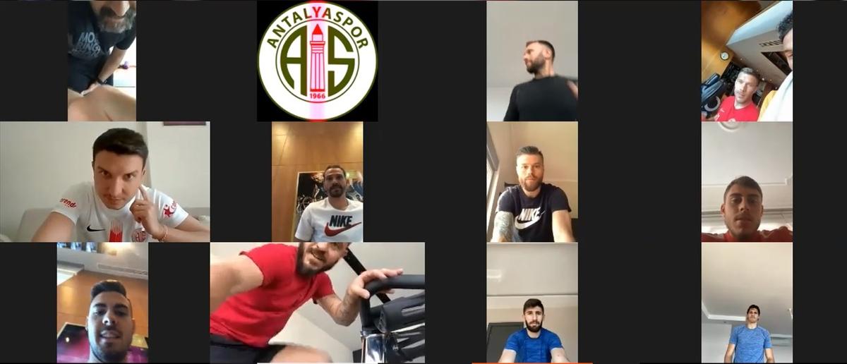 Antalyasporlu futbolcular izin sonrası ilk antrenmanı telekonferansla yaptı