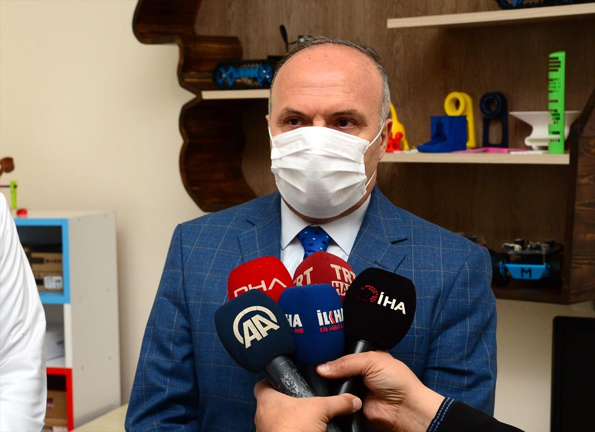 Bitlis'te 3D yazıcıyla sağlık çalışanları için siper maske üretiliyor