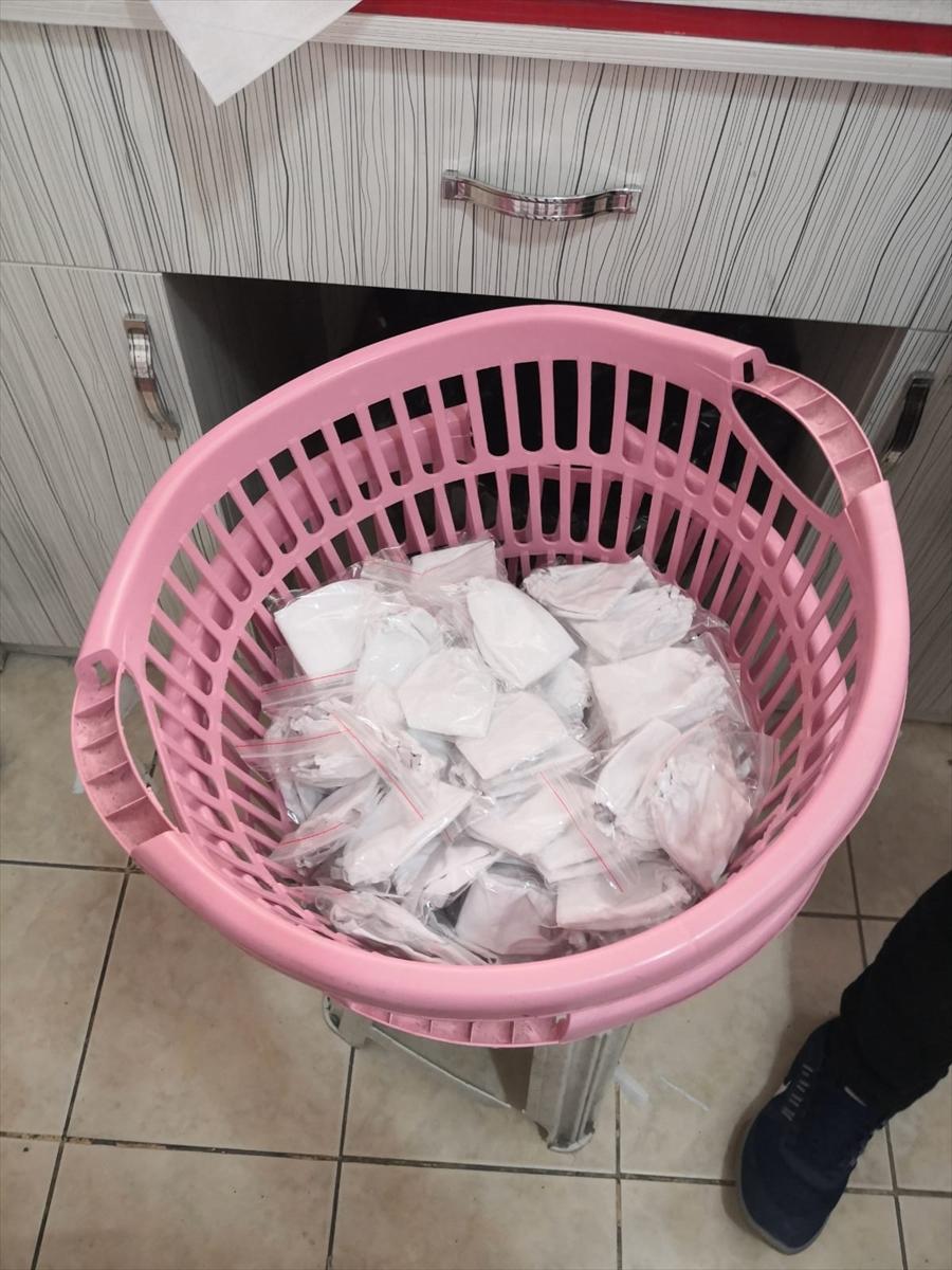 Çankırı'da kaçak maske ürettiği belirlenen iki kişi yakalandı