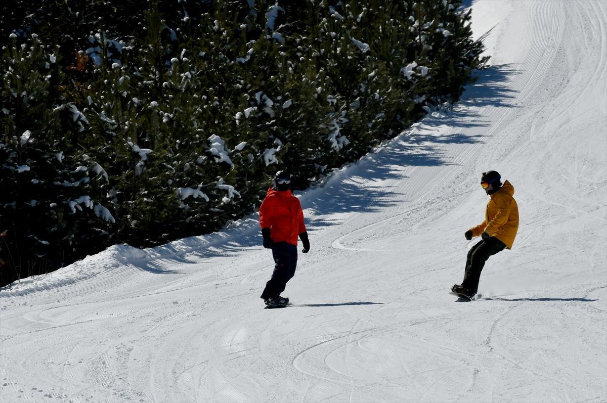 Cıbıltepe Kayak Merkezi'nde kayak keyfi