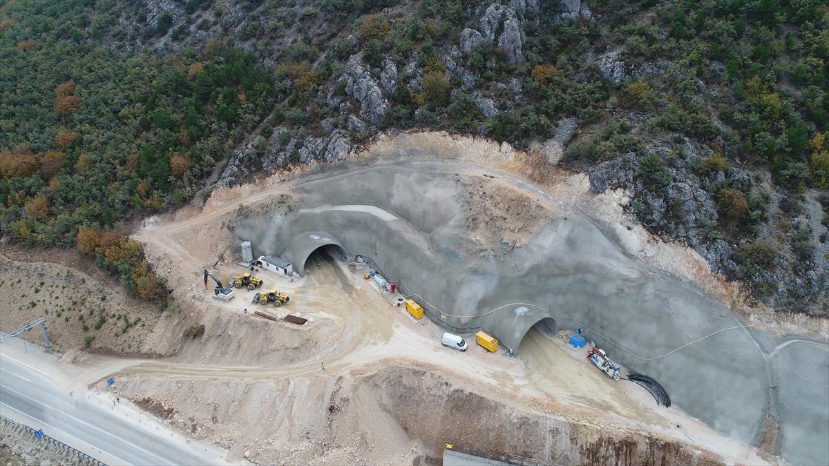 Çorum'daki Kırkdilim-Laçin kara yolu 6,5 ay trafiğe kapatılacak