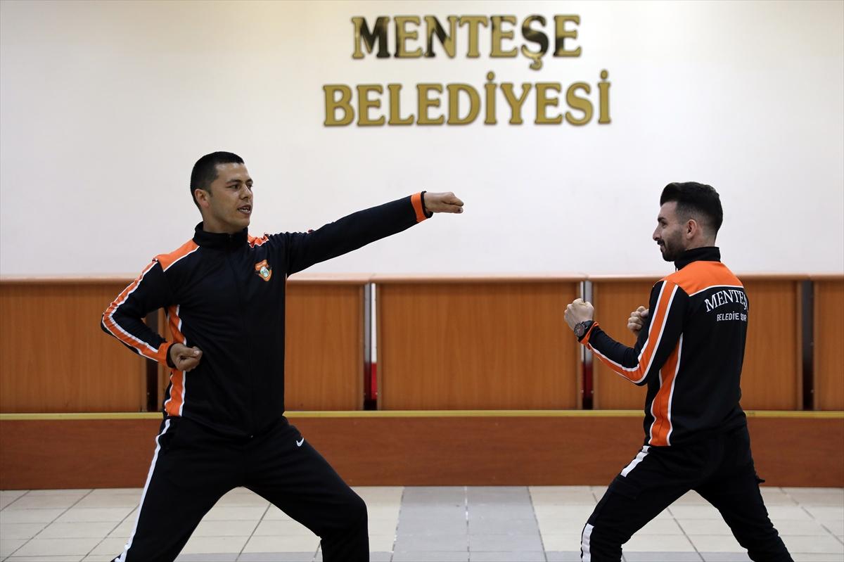 """Muğla'da egzersiz ve spor kursları internet üzerinden """"Evde fit kal"""" projesiyle sürüyor"""