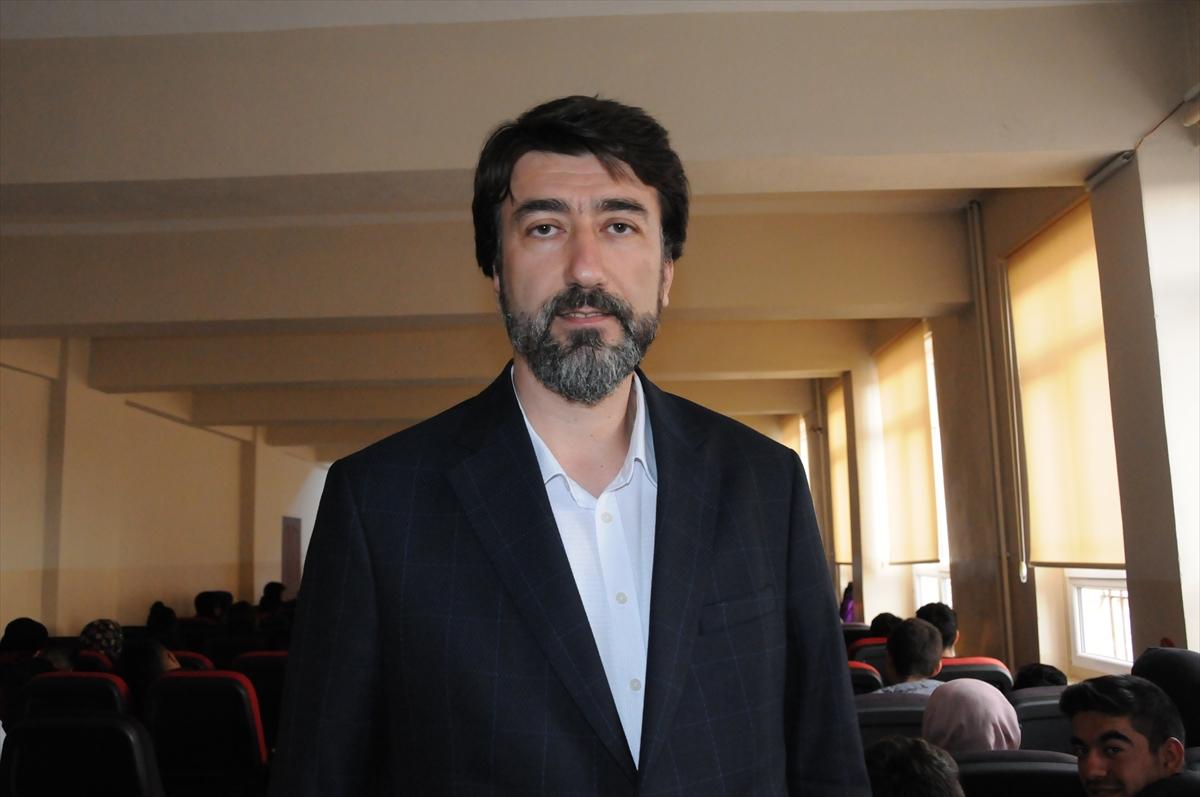 Şair ve yazar Sezai Karakoç memleketinde anlatıldı