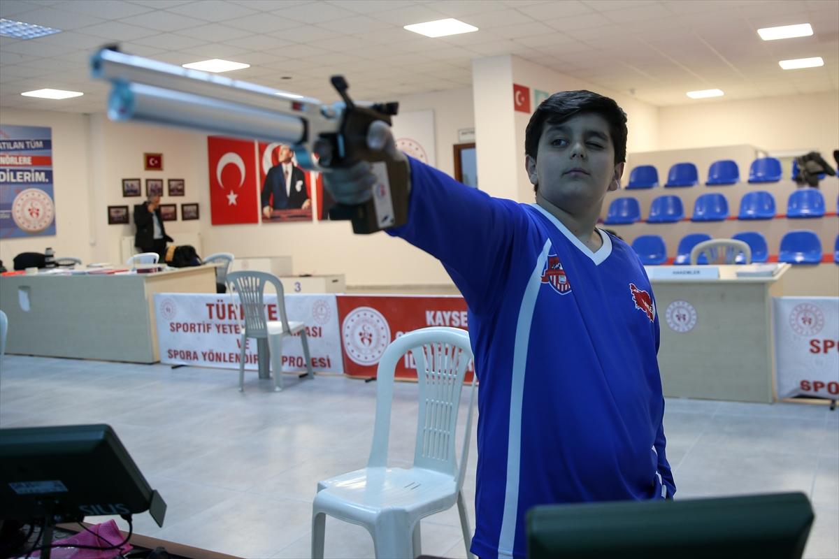 Yaz kampında keşfedilen Adem, 6 ay sonra Türkiye şampiyonu oldu