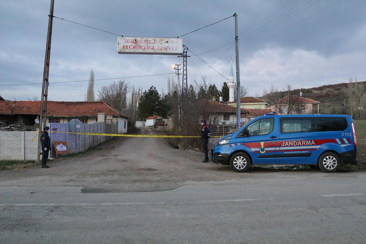 Yozgat'ta Derbent köyü yeni tip koronavirüse karşı karantinaya alındı
