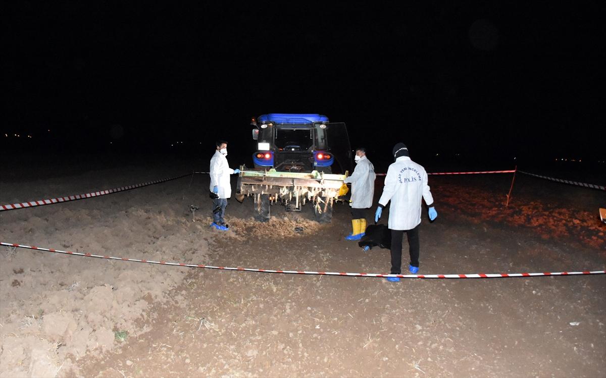 Aksaray'da traktörden iş makinesinin üzerine düşen çocuk öldü