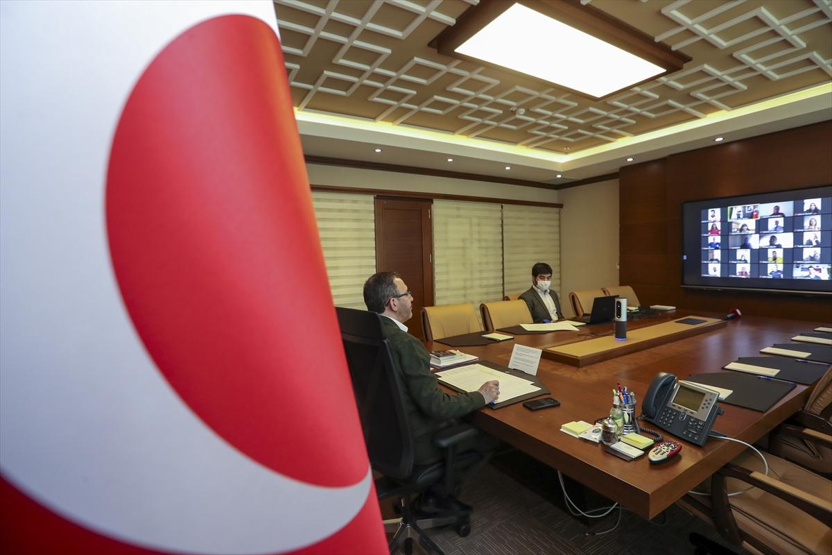 Gençlik ve Spor Bakanı Kasapoğlu, olimpiyat kotası alan milli sporcularla görüştü: