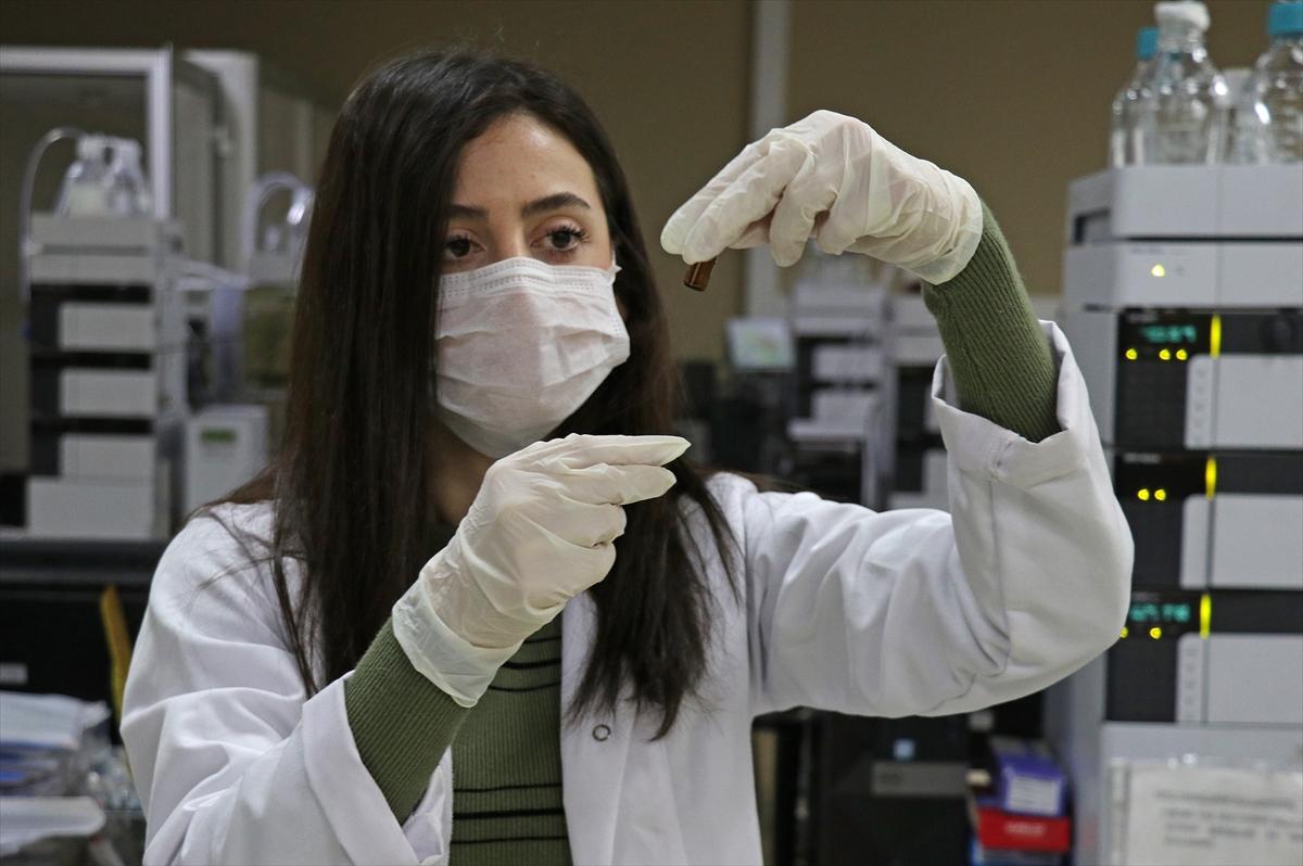 Ege Üniversitesi öncülüğündeki Kovid-19 aşısı geliştirme çalışmalarında ilk aşama tamamlandı