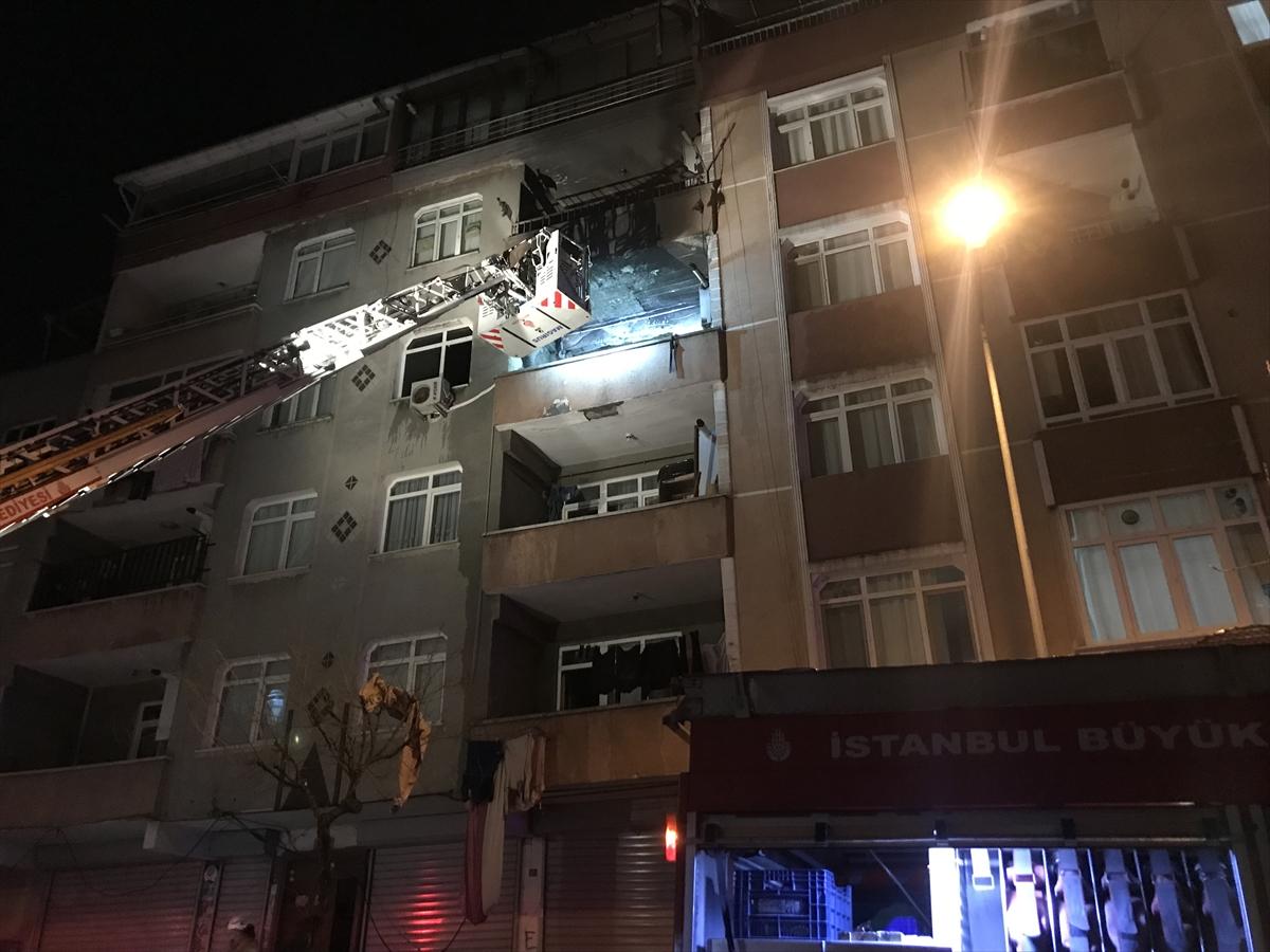 Güngören'deki konut yangında 3 kişi dumandan etkilendi