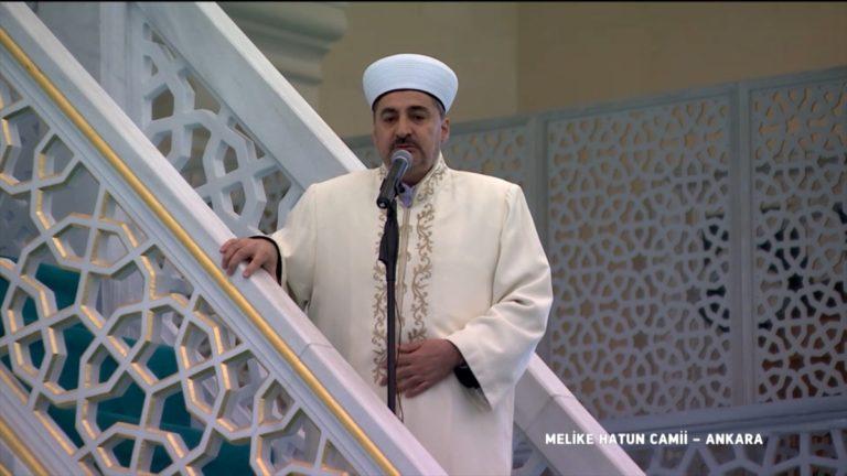 Melike Hatun Camisi'nde cuma namazı kılındı