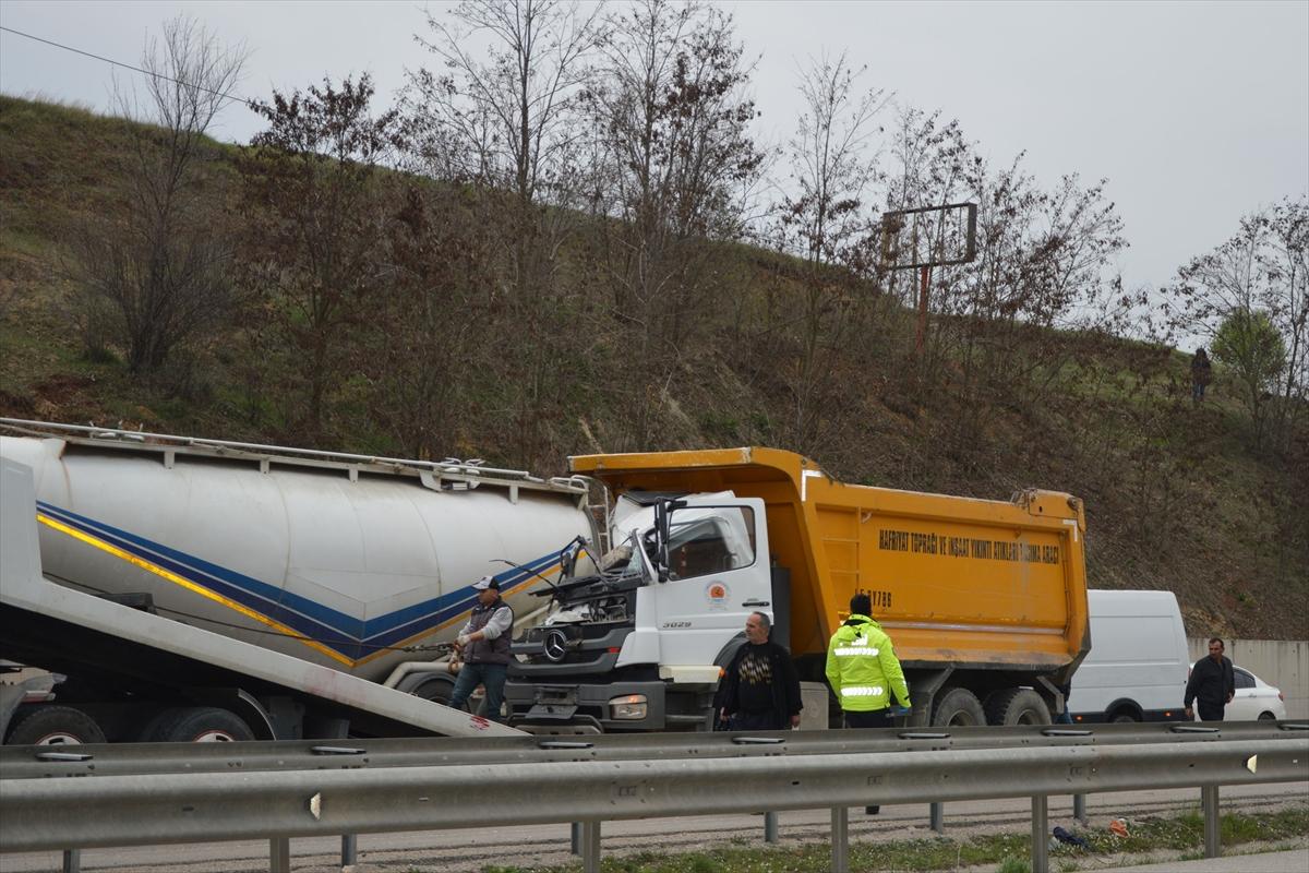 Samsun'da kamyon ile tır çarpıştı: 2 yaralı