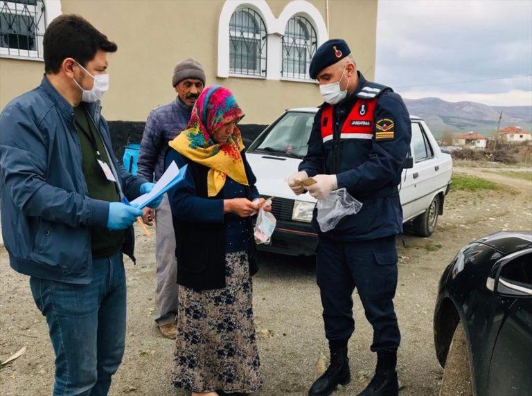 Yozgat'ta jandarma koronavirüs tedbirlerine uymayan 92 kişiye işlem yaptı