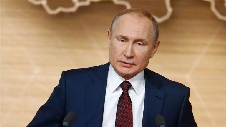 STELLUNGNAHME / Könnte COVID-19 Putins Verfassungsänderungen verderben?
