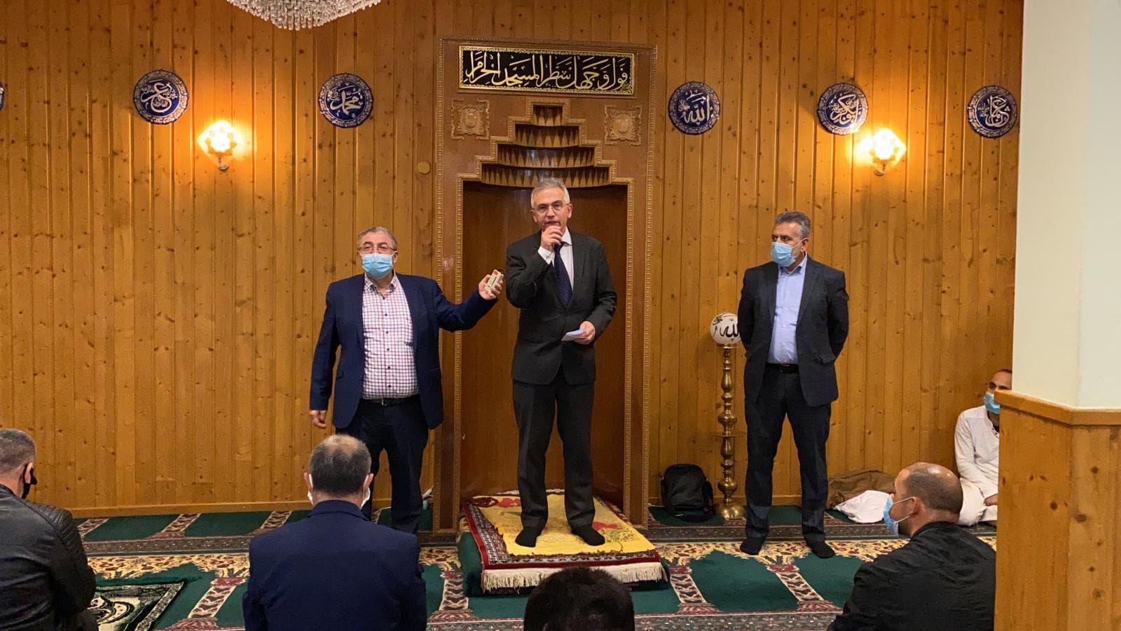 Ffm. Belediye Başkanı Peter Feldmann Camide Müslümanların Ramazan Bayramını Kutladı