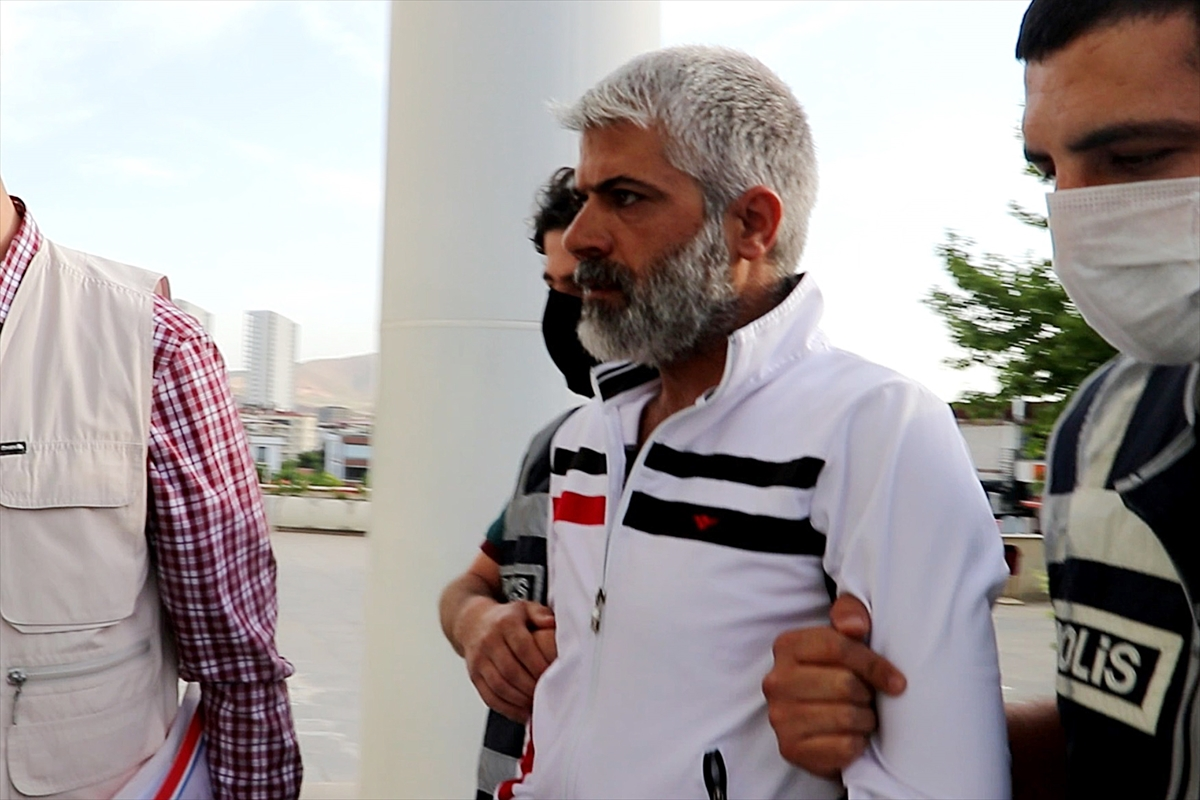 GÜNCELLEME – Elazığ'daki silahlı kavgaya ilişkin amatör spor kulübü başkanı ile oğlu gözaltına alındı  DETAY EKLENDİ
