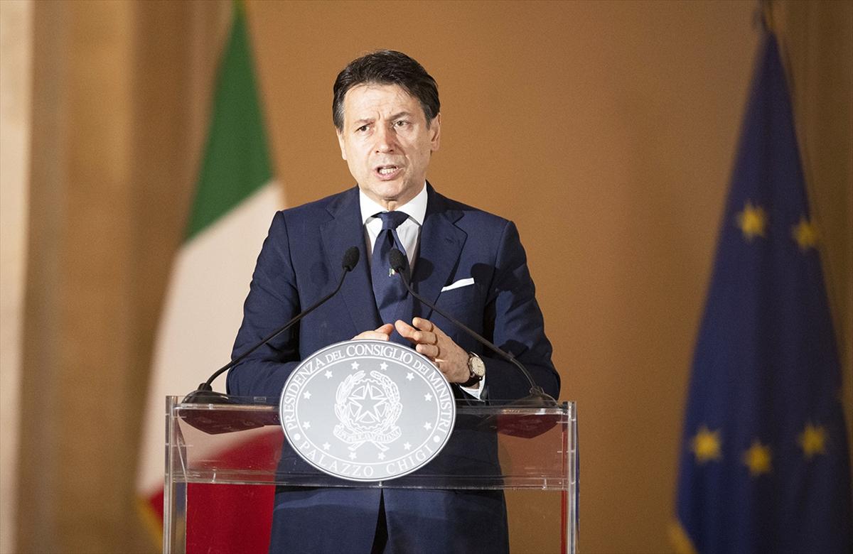 İtalya kademeli normale dönüşü hızlandırıyor