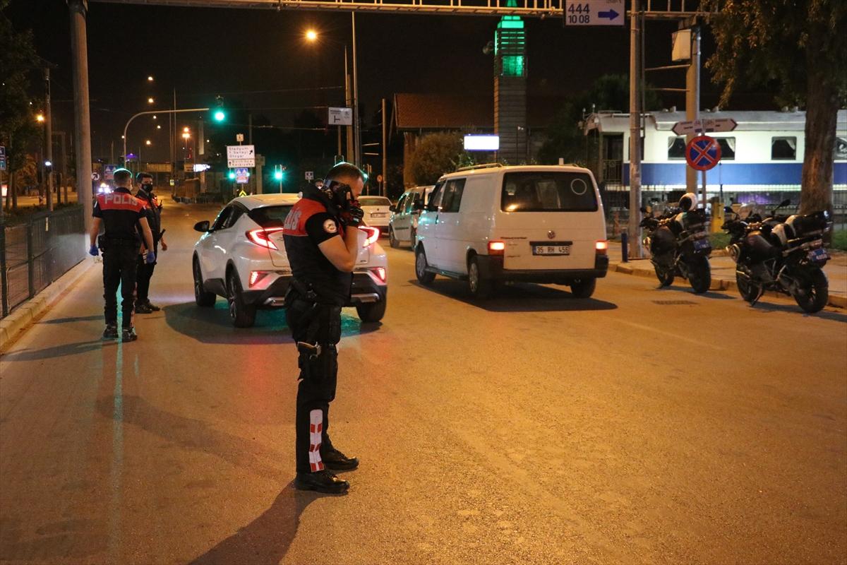 İzmir'de sokağa çıkma kısıtlamasına uymayan 2 bin 333 kişiye ceza