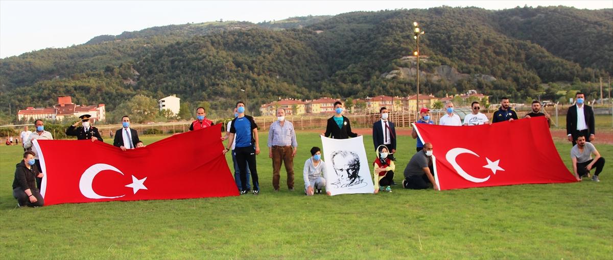 Kastamonu, Amasya, Sinop, Çankırı ve Çorum'da saat 19.19'da İstiklal Marşı okundu