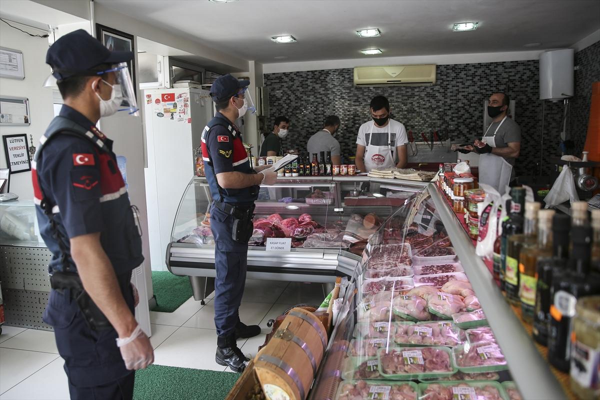 Kilyos'ta jandarma ekipleri market ve fırınları denetledi