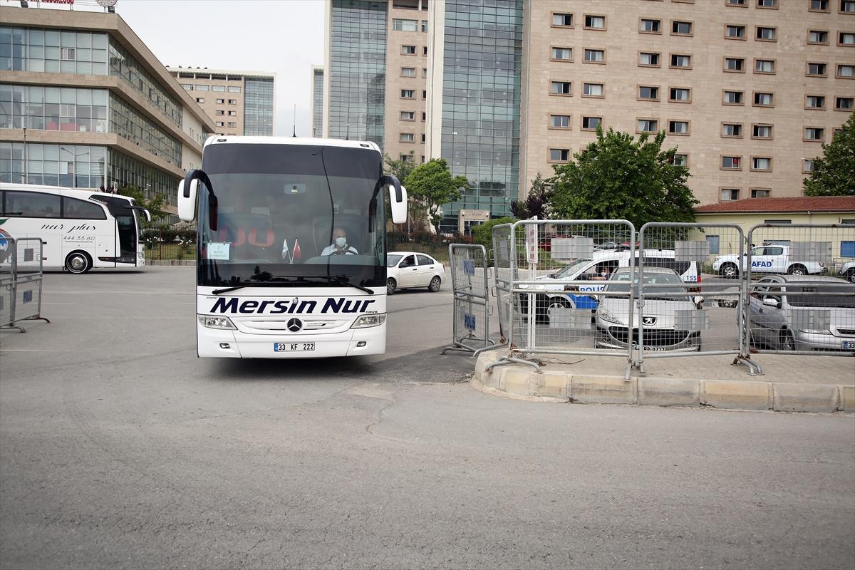 Mersin'de karantina süresi dolan 170 kişi evlerine uğurlandı