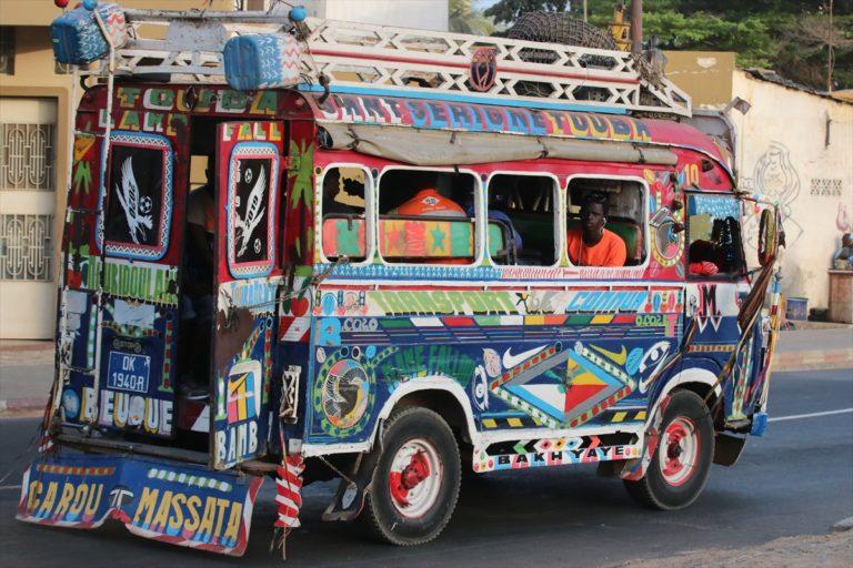 Senegal'de toplu taşımacılar Kovid-19 önlemleri nedeniyle greve gitti