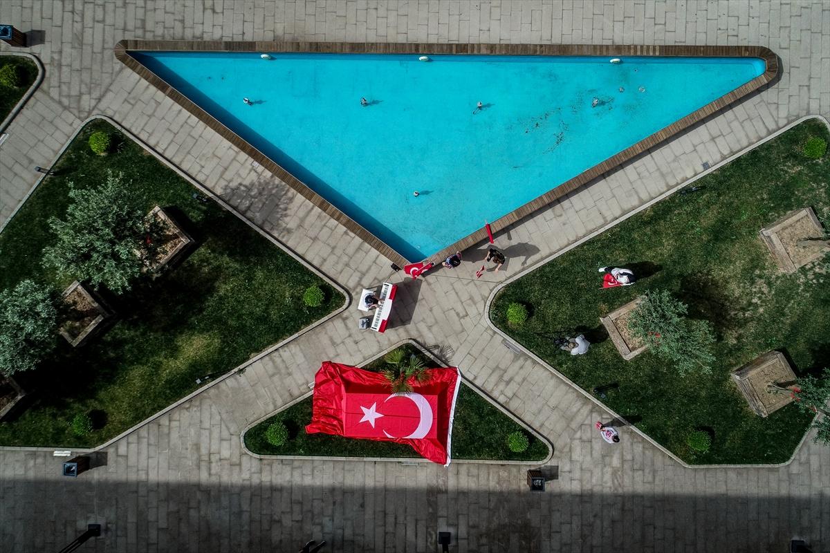 """Türkiye'nin piyanodaki """"çocuk yeteneği""""nden 19 Mayıs konseri"""