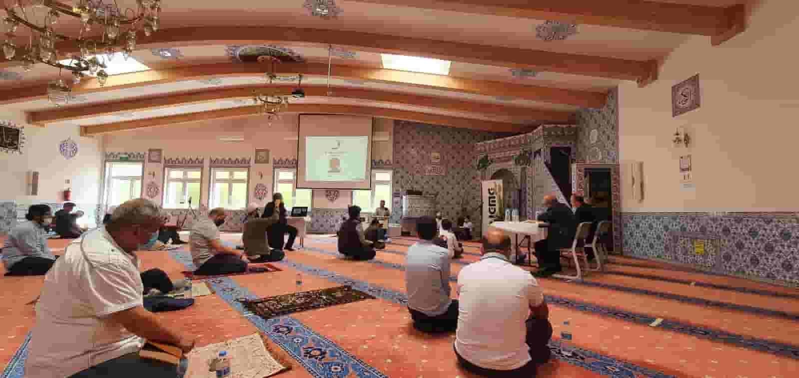 Köln'de sosyal mesafeli 32. Kur'an-ı Kerim tilavet bölge yarışması
