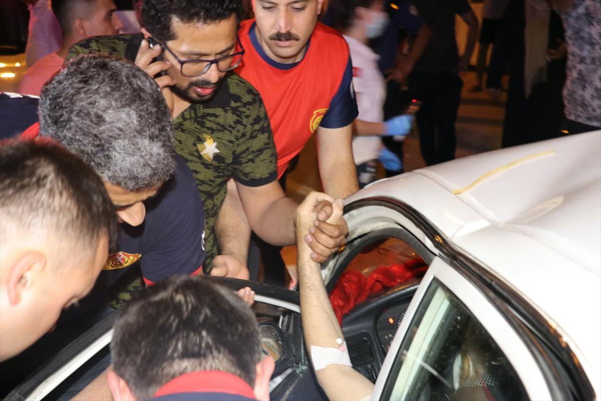 GÜNCELLEME – Adana'da iki otomobil çarpıştı: 1 ölü, 6 yaralı