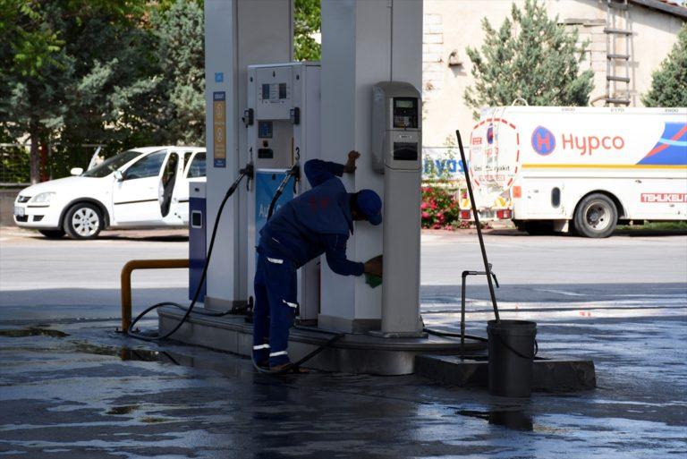 Aksaray'da LPG'li otomobil akaryakıt istasyonunda alev aldı: 8 yaralı