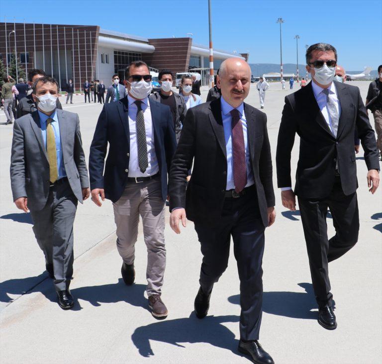 """Bakan Karaismailoğlu'ndan """"Erzurum Havalimanı"""" açıklaması:"""