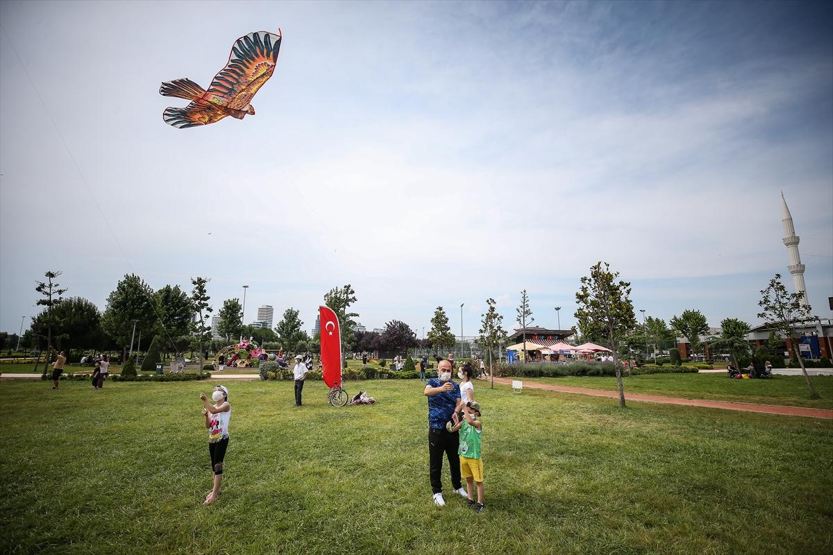 Bursa'da Babalar Günü'nde uçurtma etkinliği