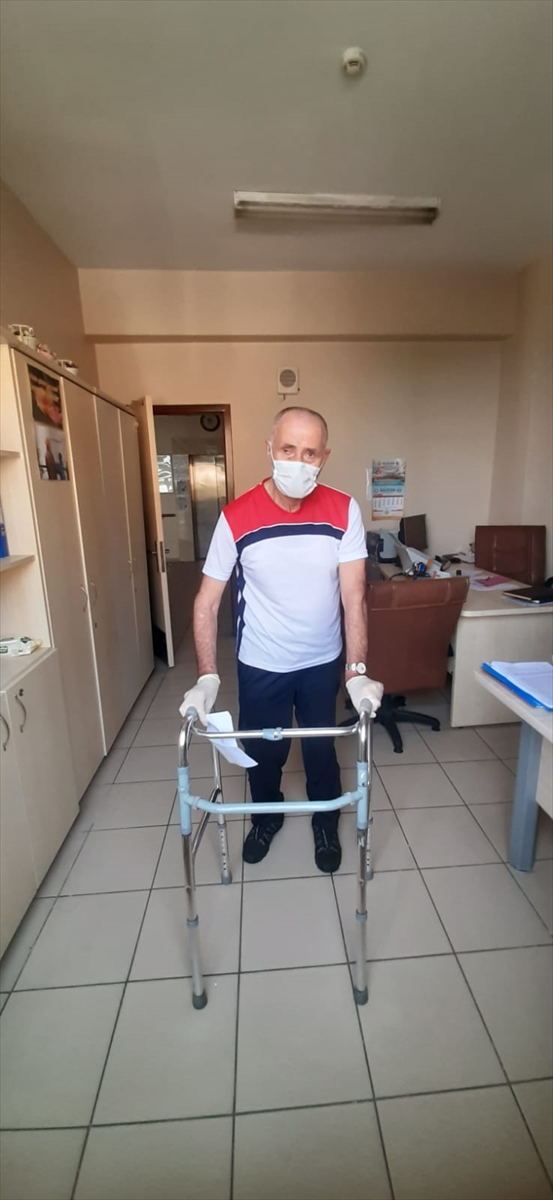 Huzurevi sakini bir aylık emekli maaşını Milli Dayanışma Kampanyası'na bağışladı