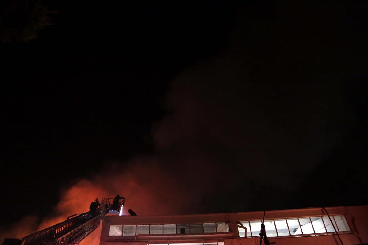 GÜNCELLEME 2 – Kahramanmaraş'ta fabrikada çıkan yangın kontrol altına alındı