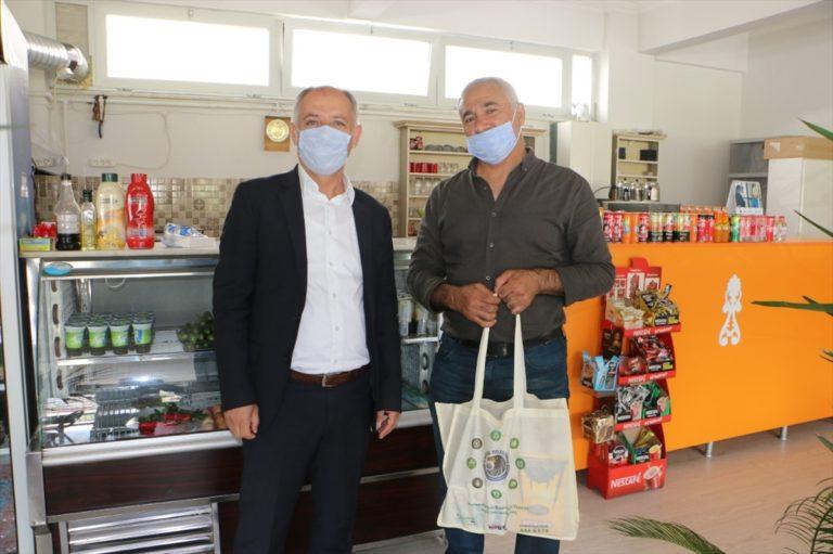 Kartal Belediyesinden kahvehanelere malzeme desteği