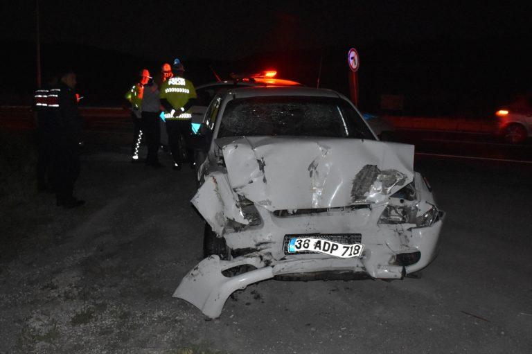 Kayseri'de otomobil otobüse çarptı: 9 yaralı