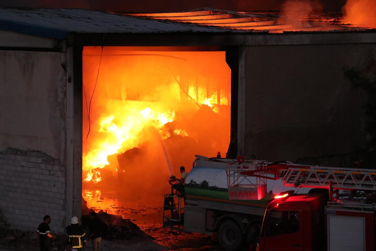 GÜNCELLEME – Niğde'de tekstil fabrikasının deposunda çıkan yangın söndürüldü