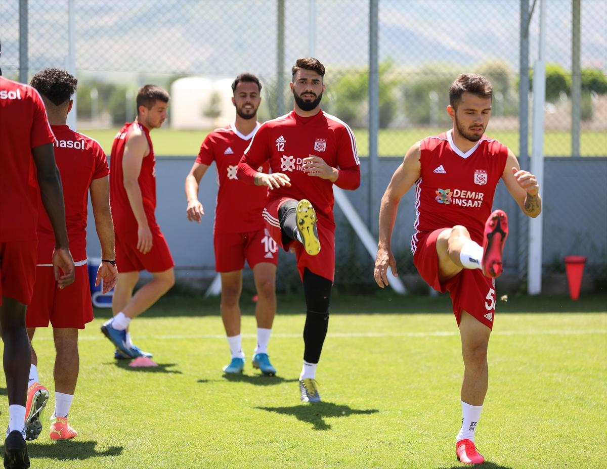 Sivasspor'da Kayserispor mesaisi sürüyor