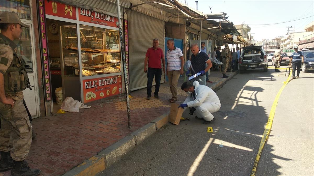 Suruç'ta silahla kuyumcuya giren motosikletli soyguncular 150 bin liralık altını gasbetti