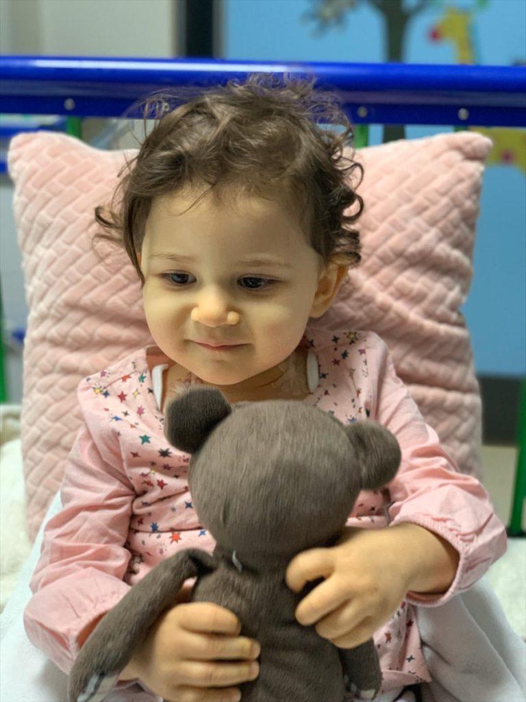 21 aylık Liya'nın acilen kök hücre nakli olması gerekiyor