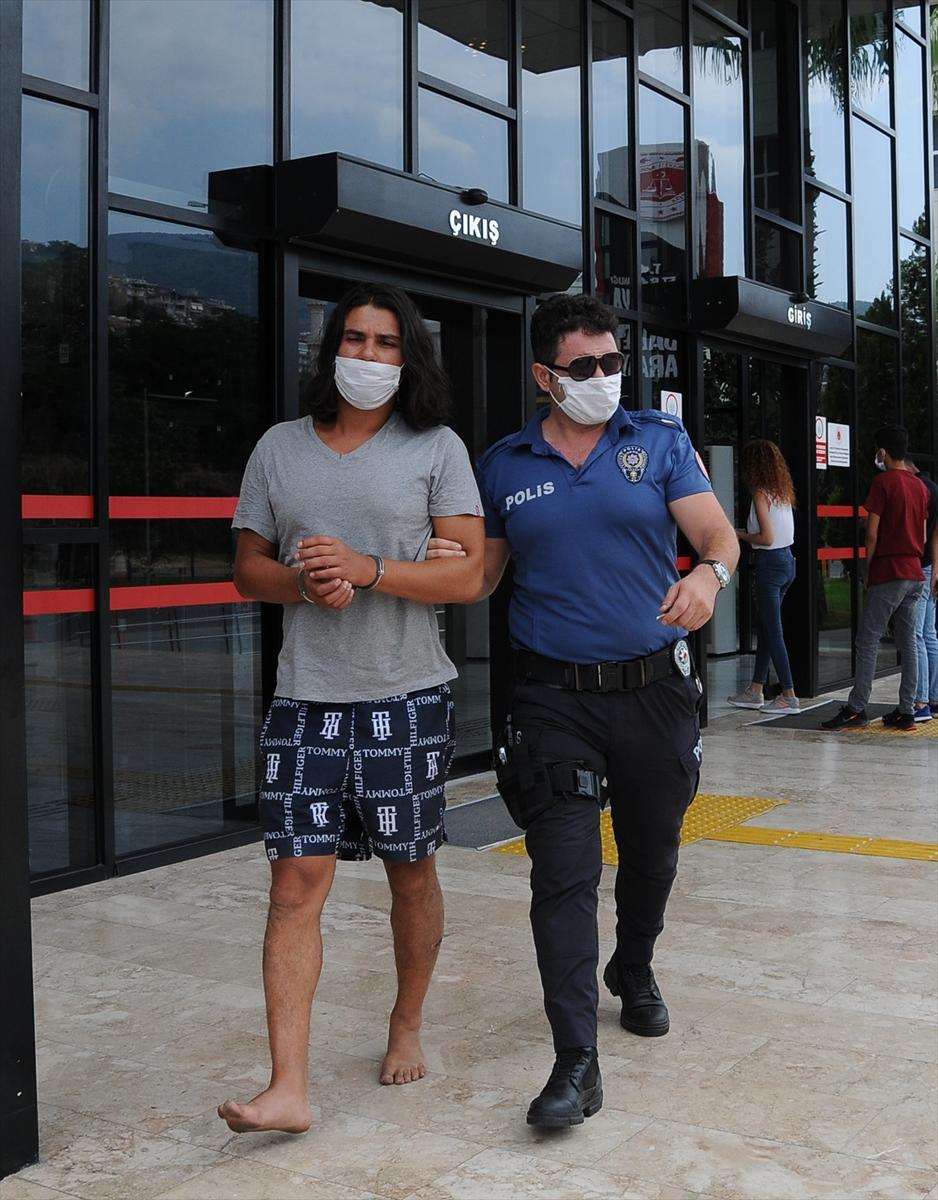 """Alanya'da sitenin güvenlik görevlilerine """"silahlı tehdit"""" iddiasına tutuklama"""
