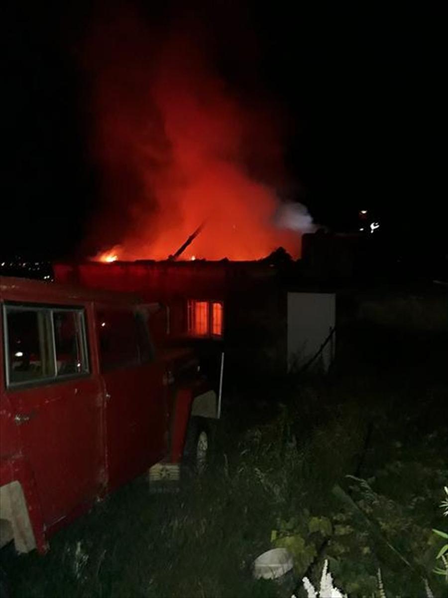 Aydın'da bir kişi evini yaktı