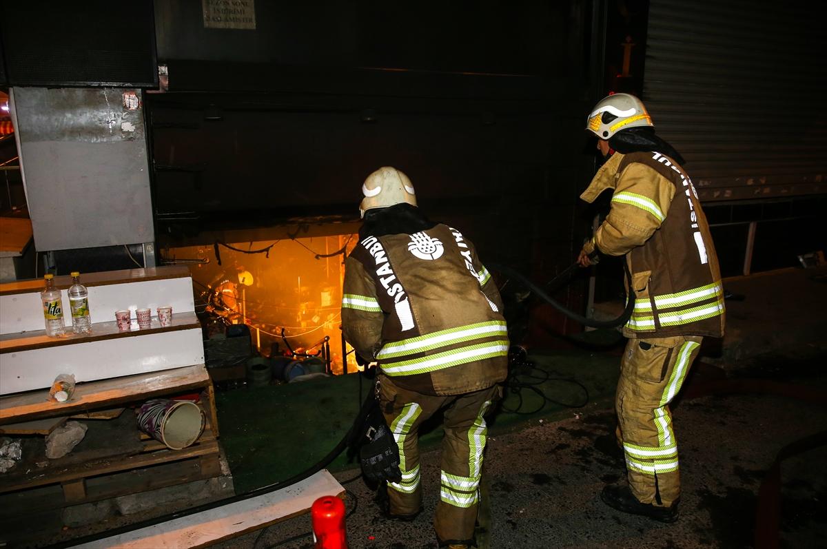 Bağcılar'da aynı anda çok sayıda iş yerinde yangın çıktı